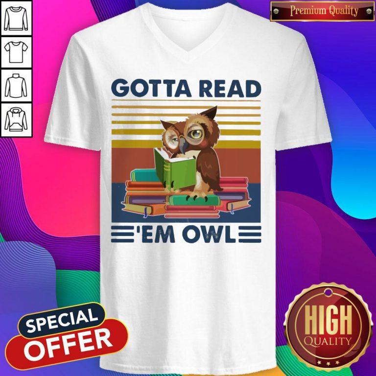 Gotta Read 'em Owl Vintage V-neck