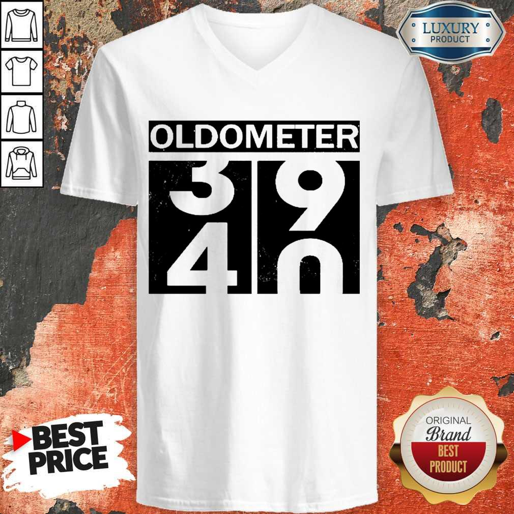 Official Oldometer 34 90 V-neck