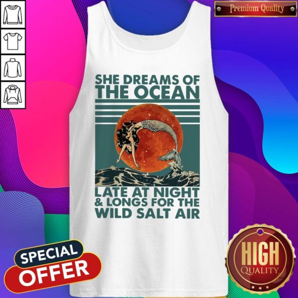 She Dreams Of The Ocean Late At Night And Longs For The Wild Salt Air Moon Vintage Tank Top
