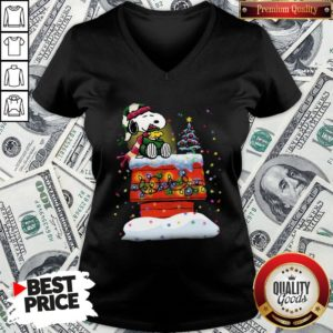 Good Snoopy And Woodstock Merry Christmas V-neck - Design By Waretees.com