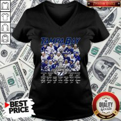 Love Tampa Bay Stanley Cup Champions Signature V-neck - Design By Waretees.com