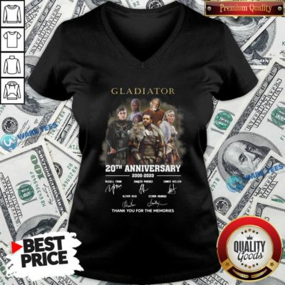 Gladiator 20th Anniversary 2000 2020 Thank You For The Memories Signatures V-neck- Design by Waretees.com