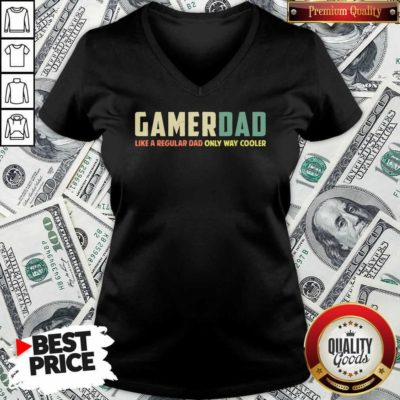 Gamer Dad Retro Like A Regular Dad Father's Day V-neck - Design By Waretee.com