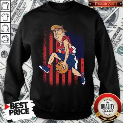 Donald Trump Playing Basketball 7 Sweatshirt - Design by Waretees.com