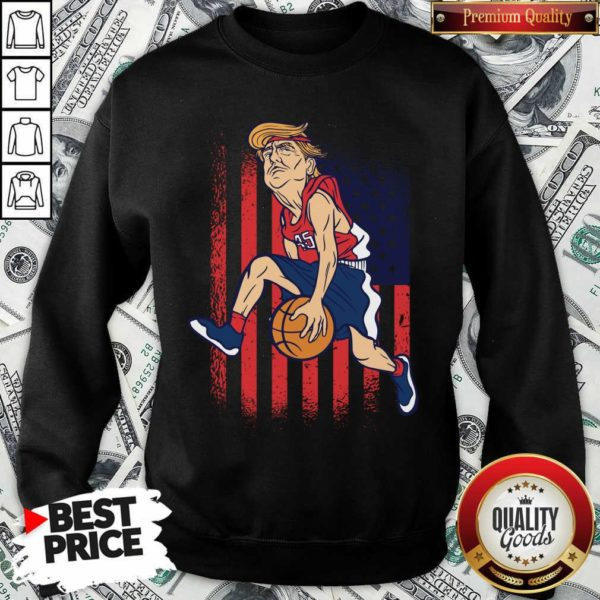 Donald Trump Playing Basketball 7 Sweatshirt - Design by Waretees.com