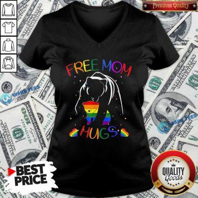 LGBT Bear Free Mom Hugs V-neck