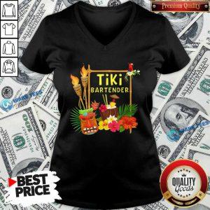 Nice Tiki Bartender Tiki Head Tiki Torches Parrot Tropical Flower V-neck